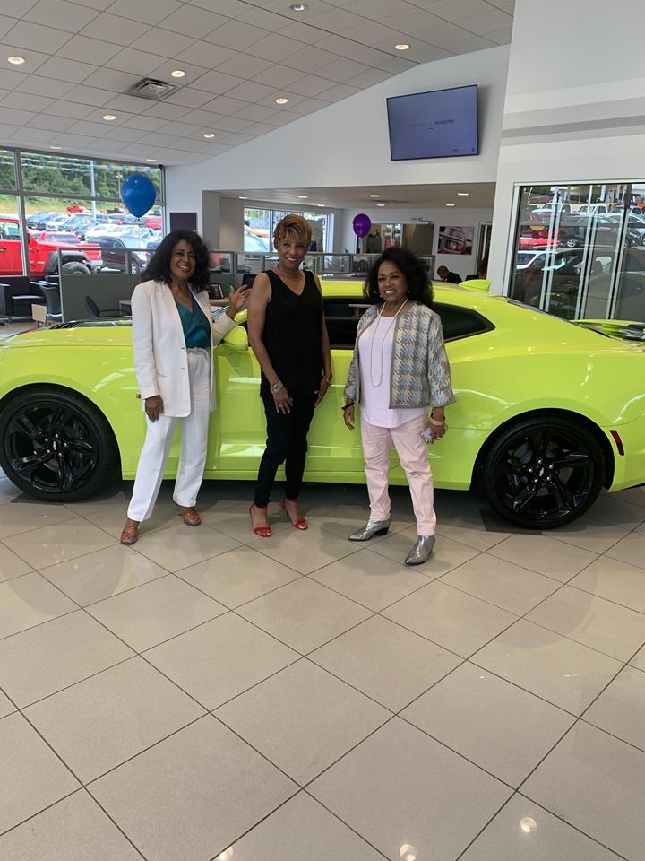 former ladies of the supremes l r scherrie payne joyce vincent and susaye greene at a meet and greet at king coal chevrolet d joyce vincent lady west virginia pinterest