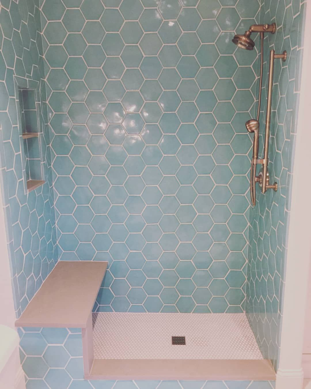 loving how this sweet little girls bathroom is turning out rh pinterest com
