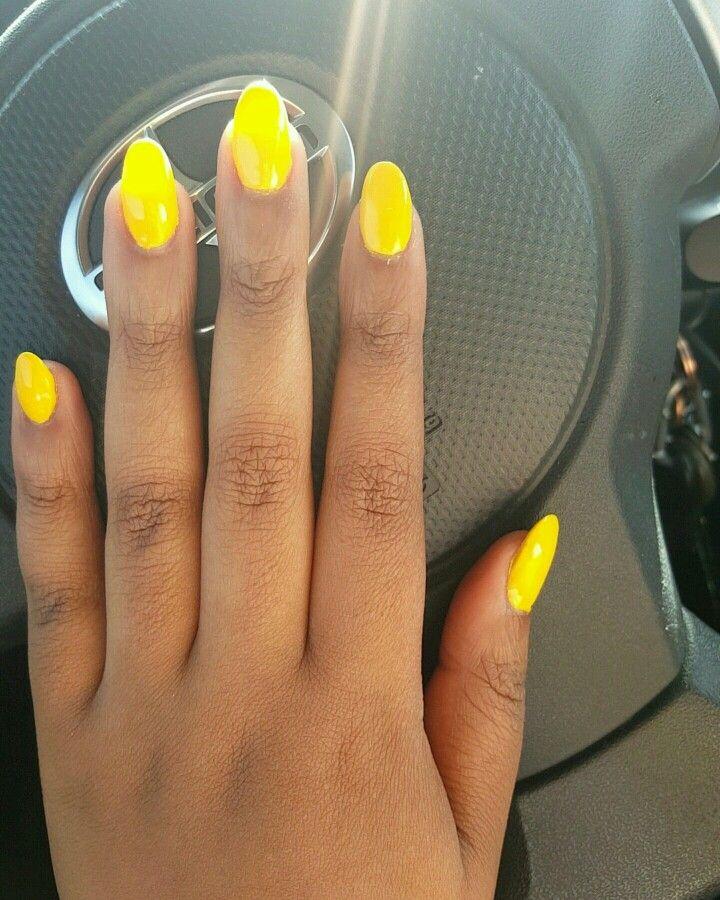 Round Short Yellow Nails Acrylic Nails Yellow Yellow Nails Oval Acrylic Nails