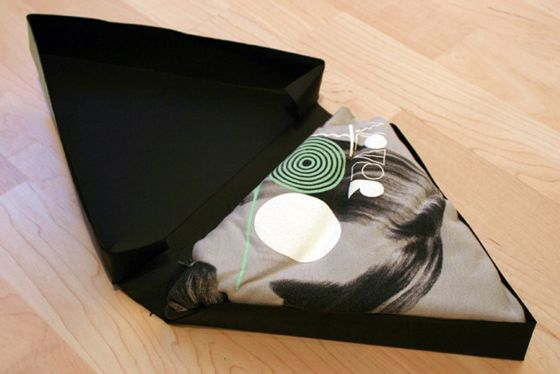 34 Cool and Creative T-shirt Packaging Designs