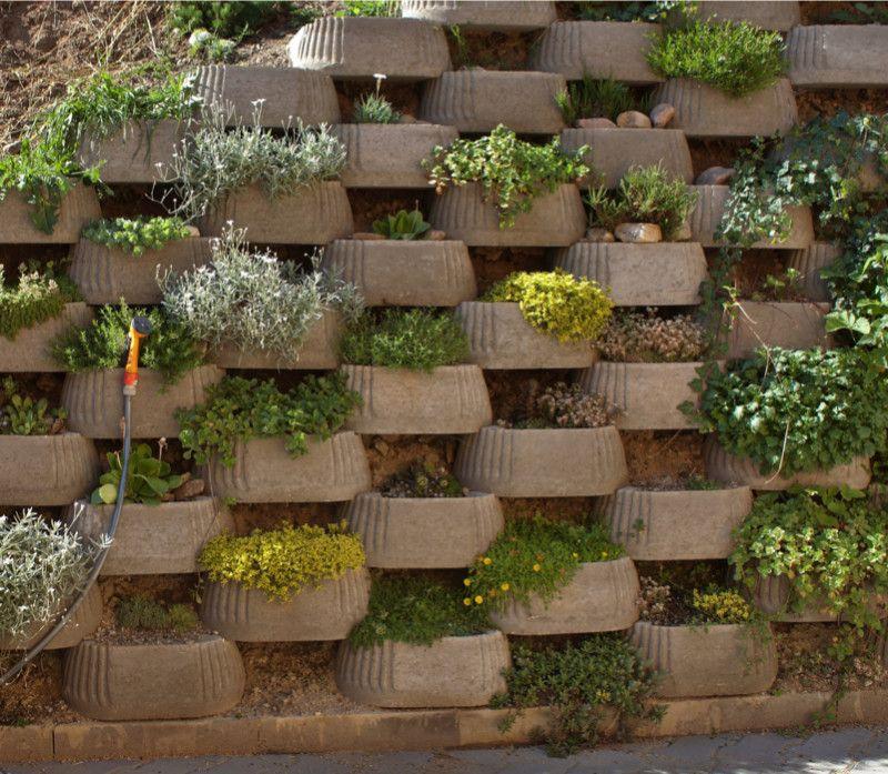 Garden And Backyard Retaining Walls Garden Wall Decor Backyard