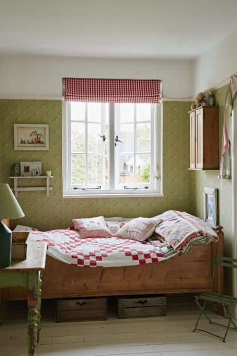 This Edwardian cottage comes to life through neutral colours and ...