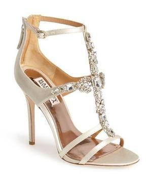 fc7eb1f8d ƱɳỈϑҽƦʂσ ƒҽɱỈɳỈɳσ... Sandálias para a noite   sapatos   Sapatos ...