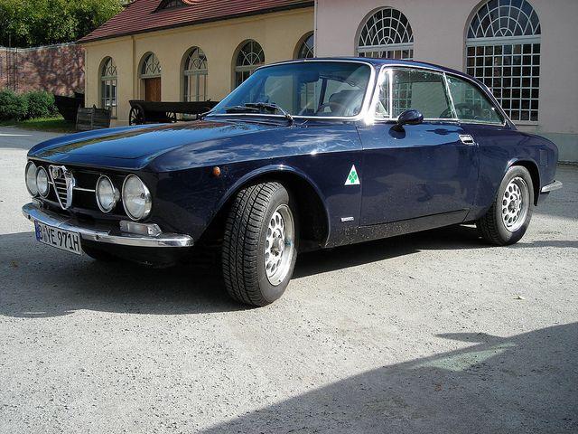 Alfa Romeo Giulia Ti Model 105 First Series Alfa Romeo Classic Cars Alfa Romeo Cars