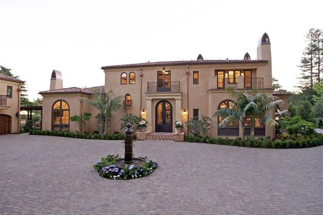 Mansion Epitomizes Spanish Colonial Style Spanish Style Homes Spanish Style Mediterranean Homes