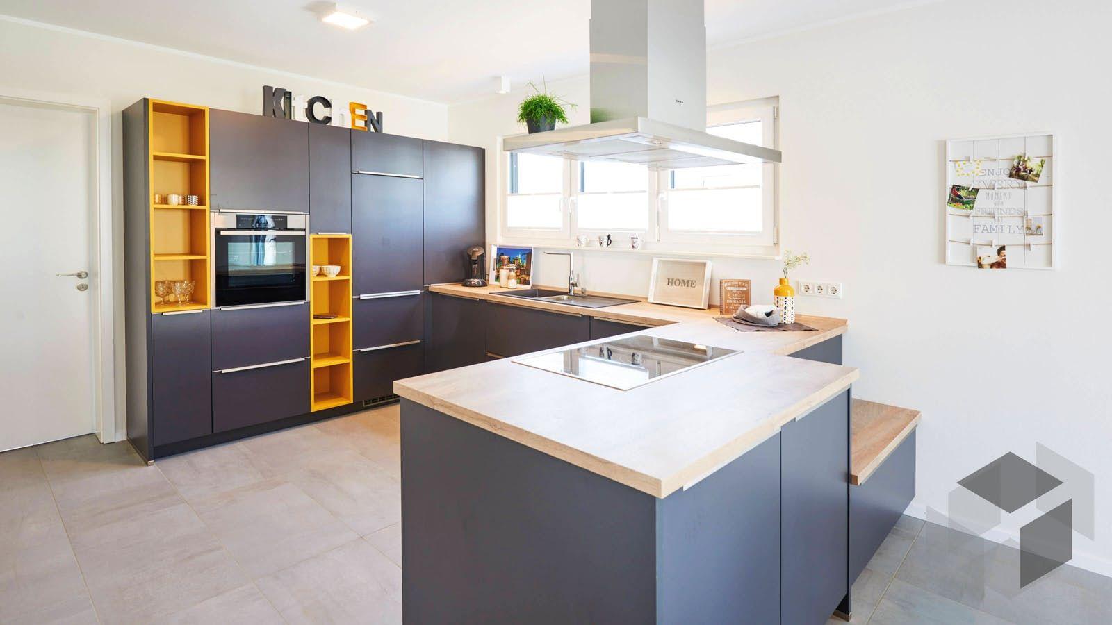 Große Küche aus dem Einfamilienhaus 'Stuttgart' von