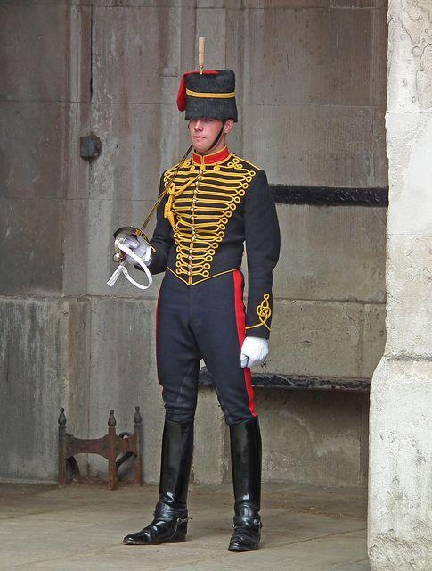 "cuirmale: "" Queen\'s HOUSEHOLD GUARD!!! "" | Sexy Men in Uniform ..."