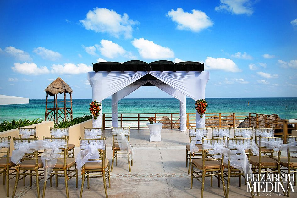 Have Your Wedding Ceremony At The Fountain Location Now Jade Riviera Cancun Nowjaderivieracancun Mexico Destinationwedding Pinterest