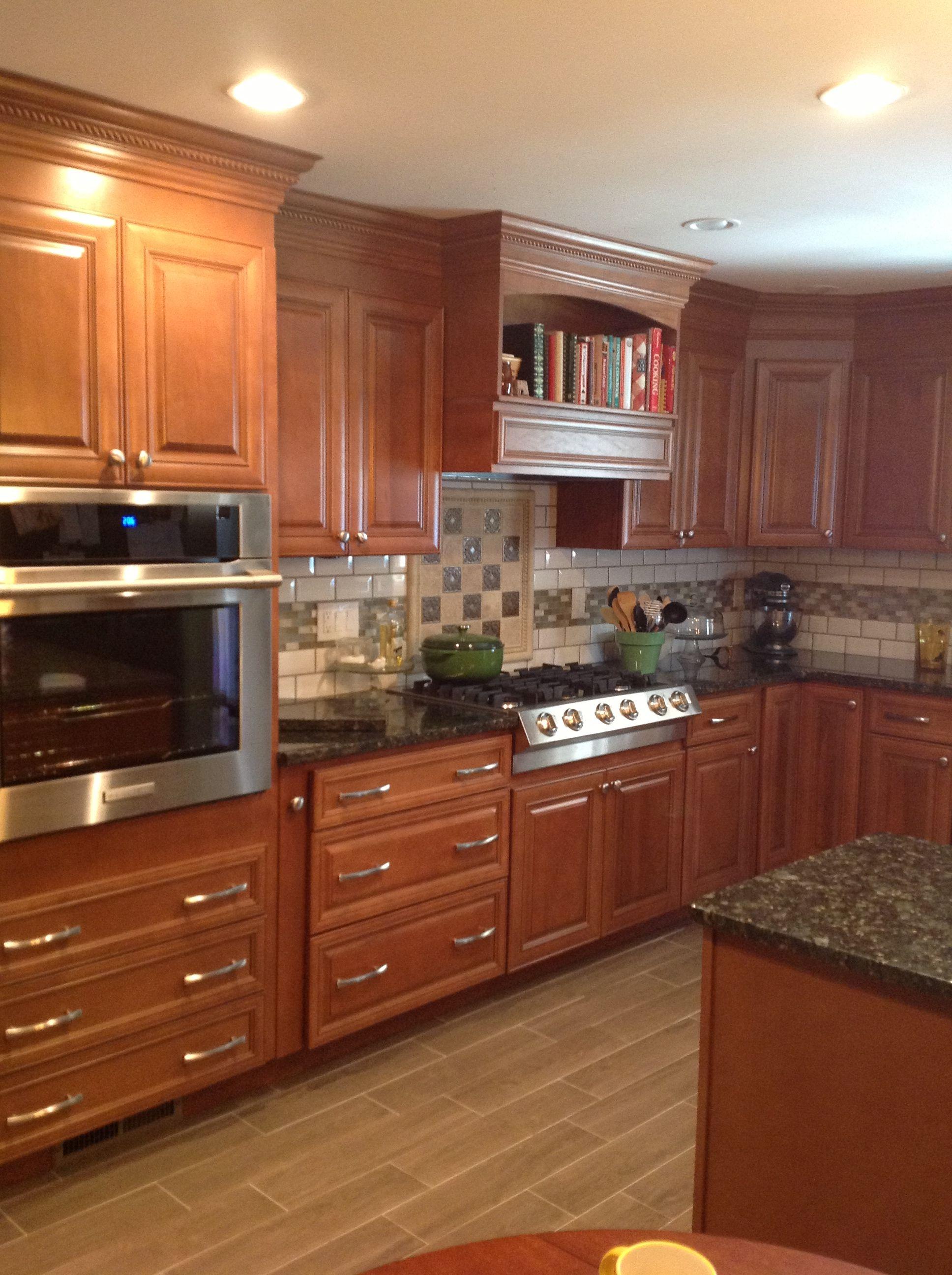 Kitchen Verde Erfly Granite Book Shelf Backsplash With Subway Tile