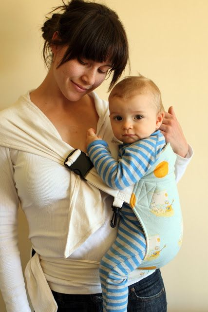 Pea Pod Baby Carrier. Must buy the pattern, no tutorial here, but super cute! Looks like it'd be easier for those who don't want to tie a Mei Tai wrap.