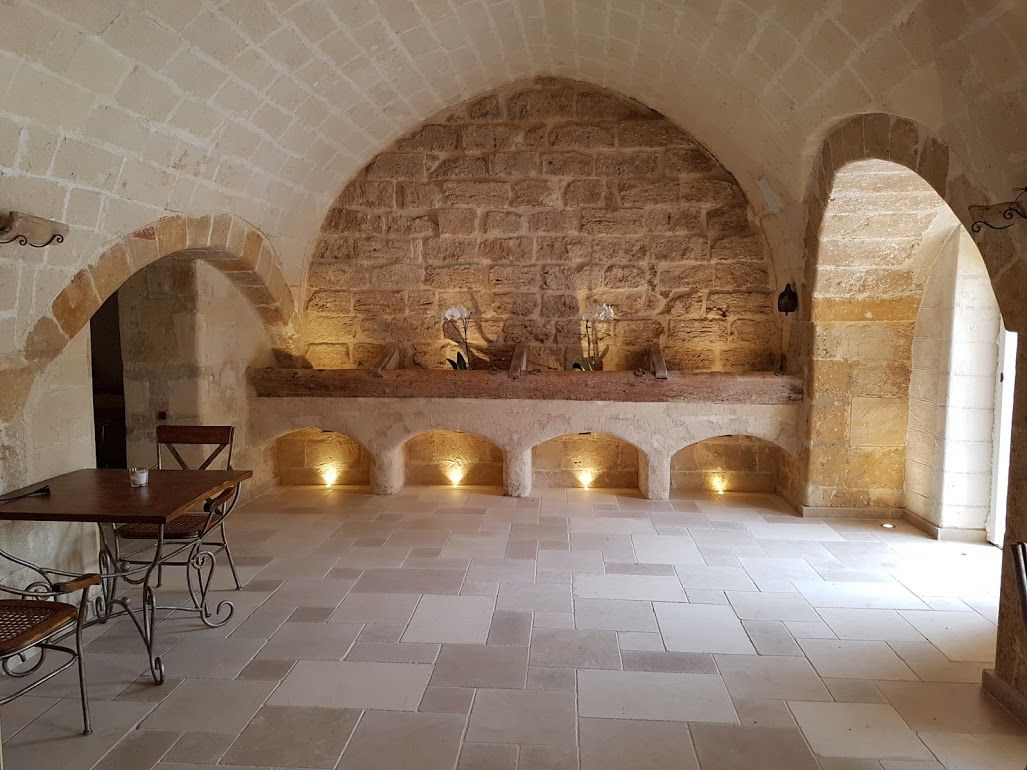 Pietre Bianca Per Interni pareti interne in pietra di trani by musicco stone