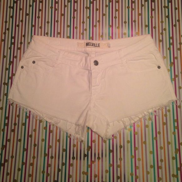 Brandy Melville denim shorts  White frayed denim jeans with botton closures, classic 5-pocket and belt loop. Brandy Melville Shorts Jean Shorts