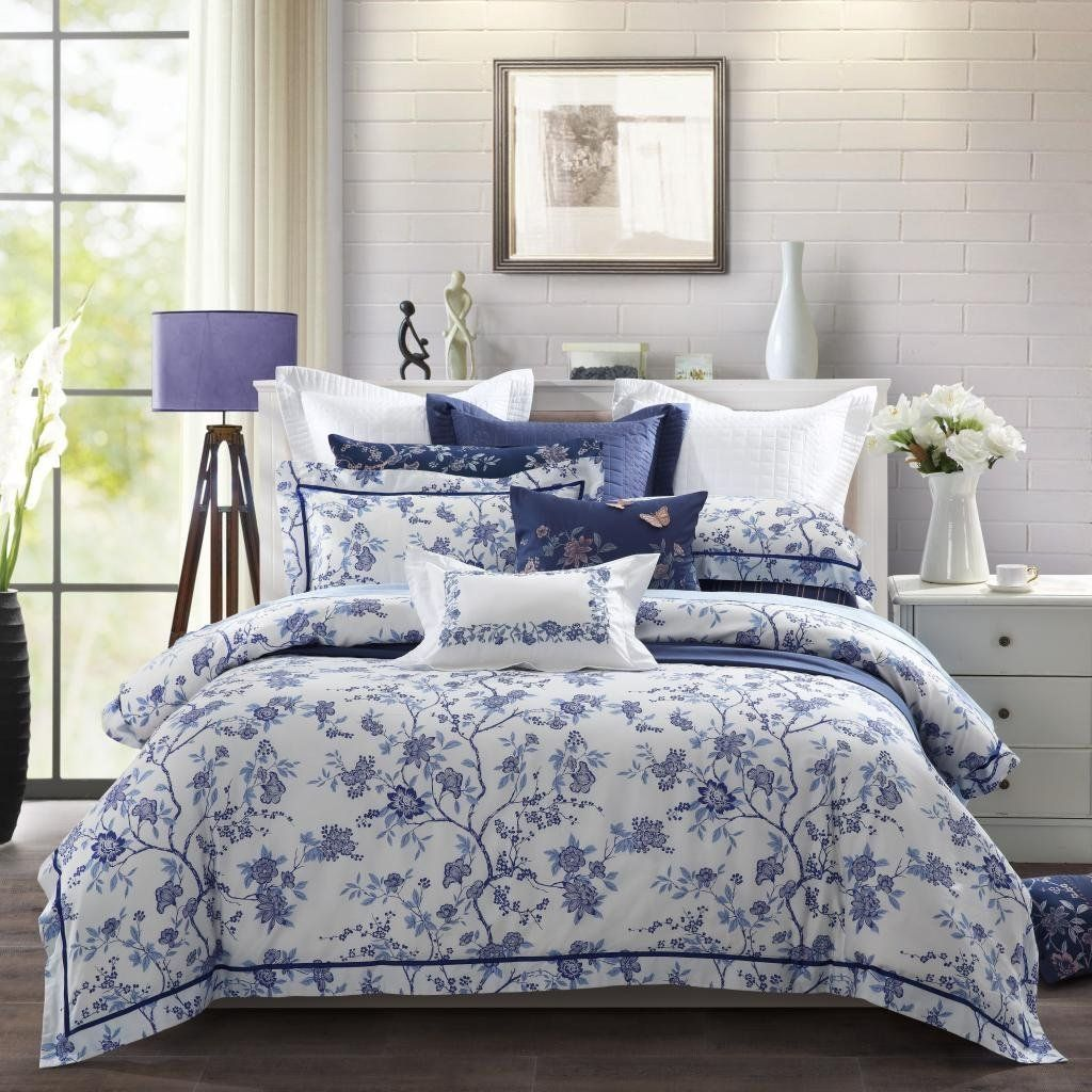 LOVO Blue and White Porcelain Floral Cotton