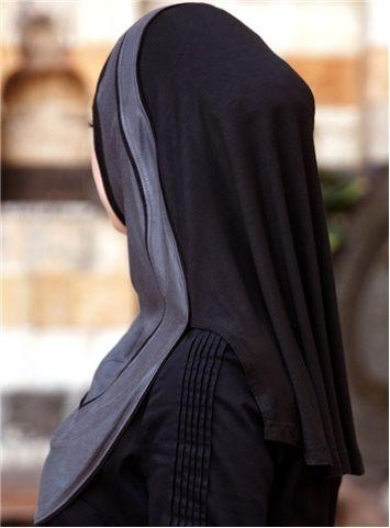 Finesse Hijab Black color At last, modest sports hijabs ...
