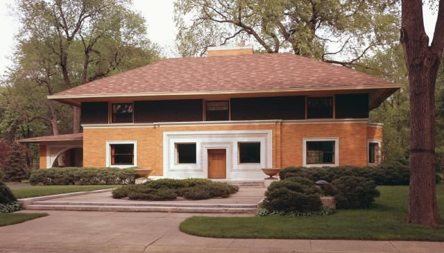 The First Houses Built by Frank Lloyd Wright   Prairie style ...