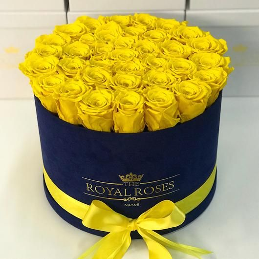 Real Long Lasting Roses Round Box Lifetime Is Over 1 Year In 2020 Rose Preserved Roses Yellow Roses