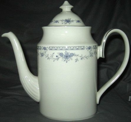 Minton Bellemeade Coffee Pot With Lid | China patterns, Coffee and ...