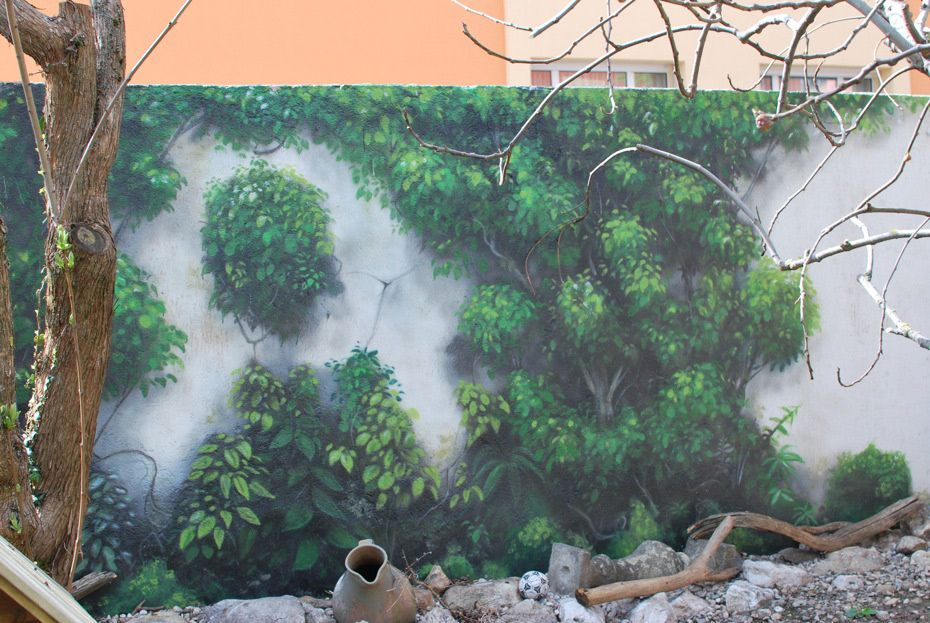 Deco murale trompe l\'oeil pour camoufler un mur du jardin ...