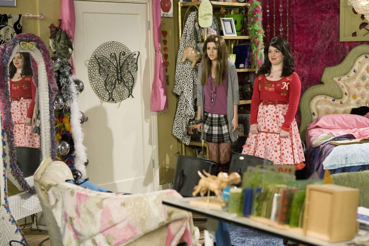 Tv Bedrooms Dream House Interior Wizards Of Waverly Place Room