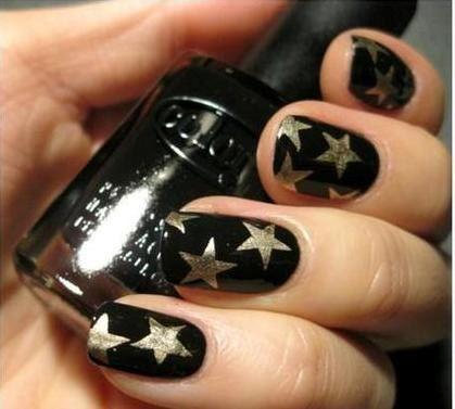 Black Nails With Gold Stars X Black Gold Nails Gold Nails Star Nails