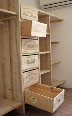This Site Is In French But It Looks As If They Are Using Wine Crates To Build This Storage