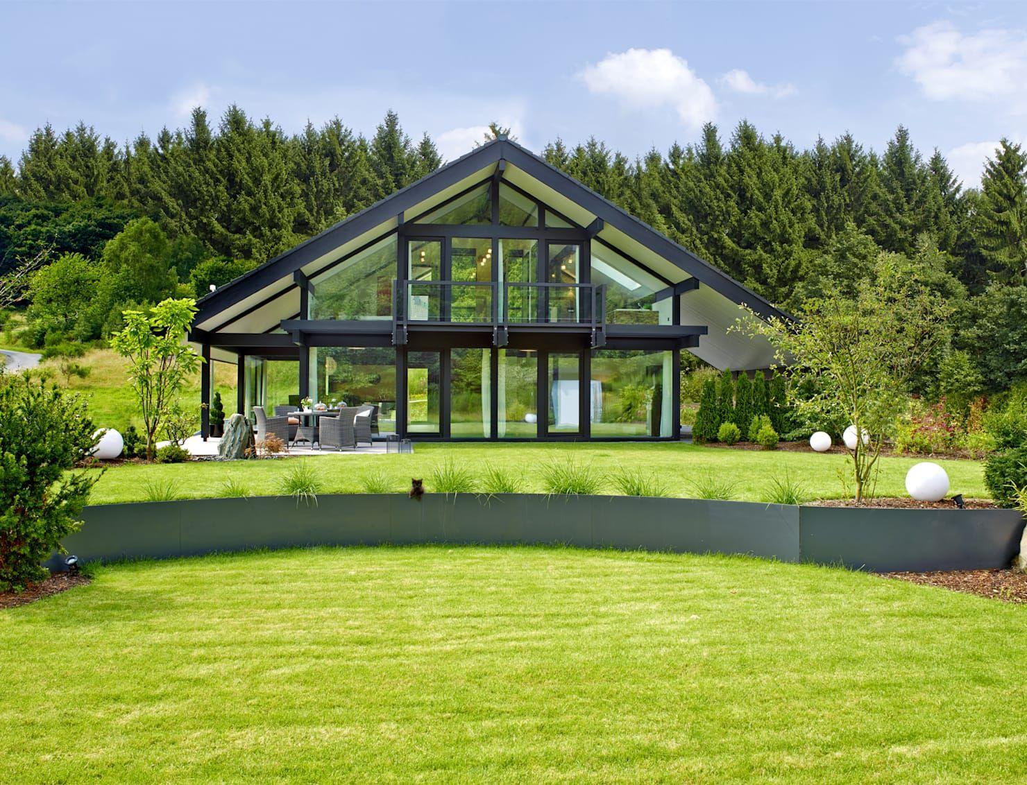 Ein lichtdurchflutetes Haus mit atemberaubender Aussicht und jeder ...