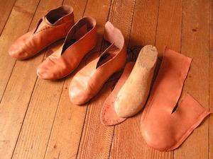 Chaussures médiévales - Le blog de leonide~~~ wish i could read French!!