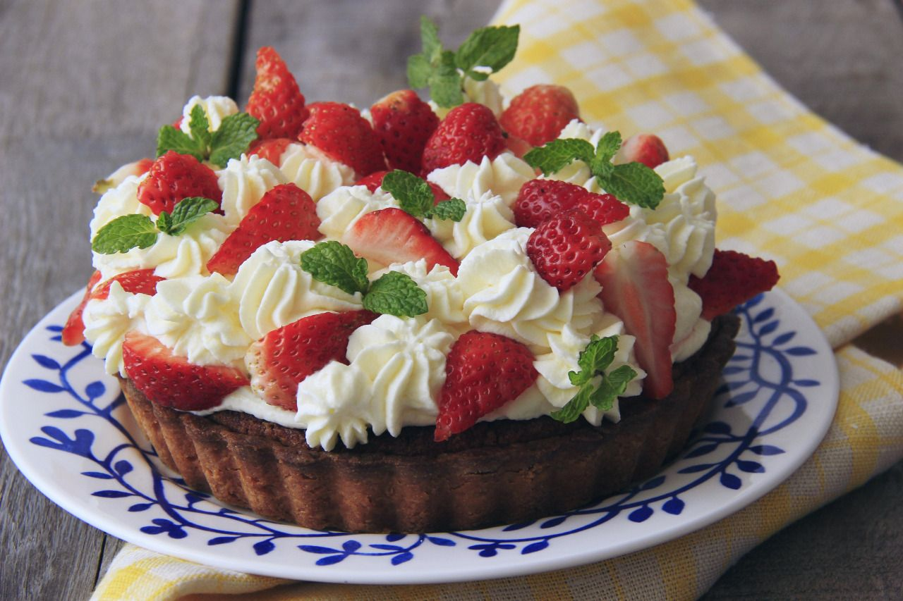 Strawberry Carries Rummy Revive Tower Mini cheesecake