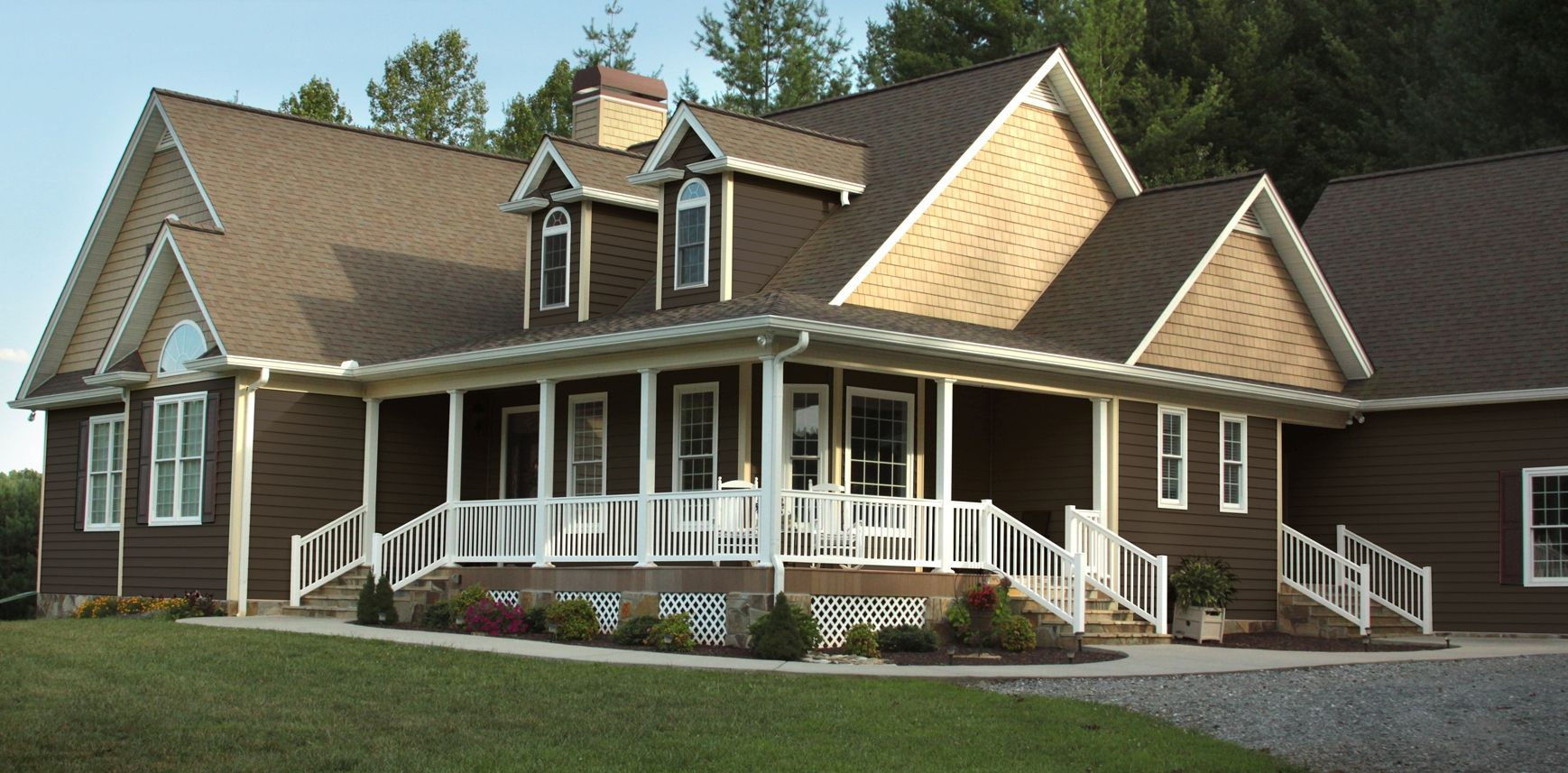 Houses with brown siding house vinyl siding options for Vinyl siding colors on houses