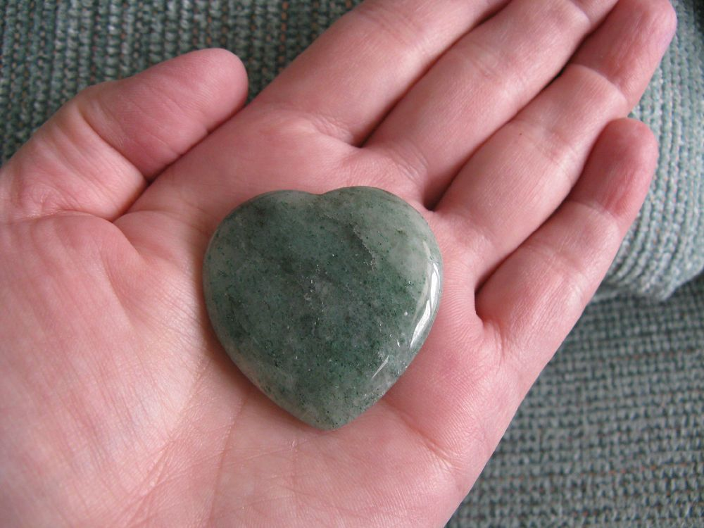 NEW NATURAL GREEN AVENTURINE HEART PALM STONE--HEART CHAKRA