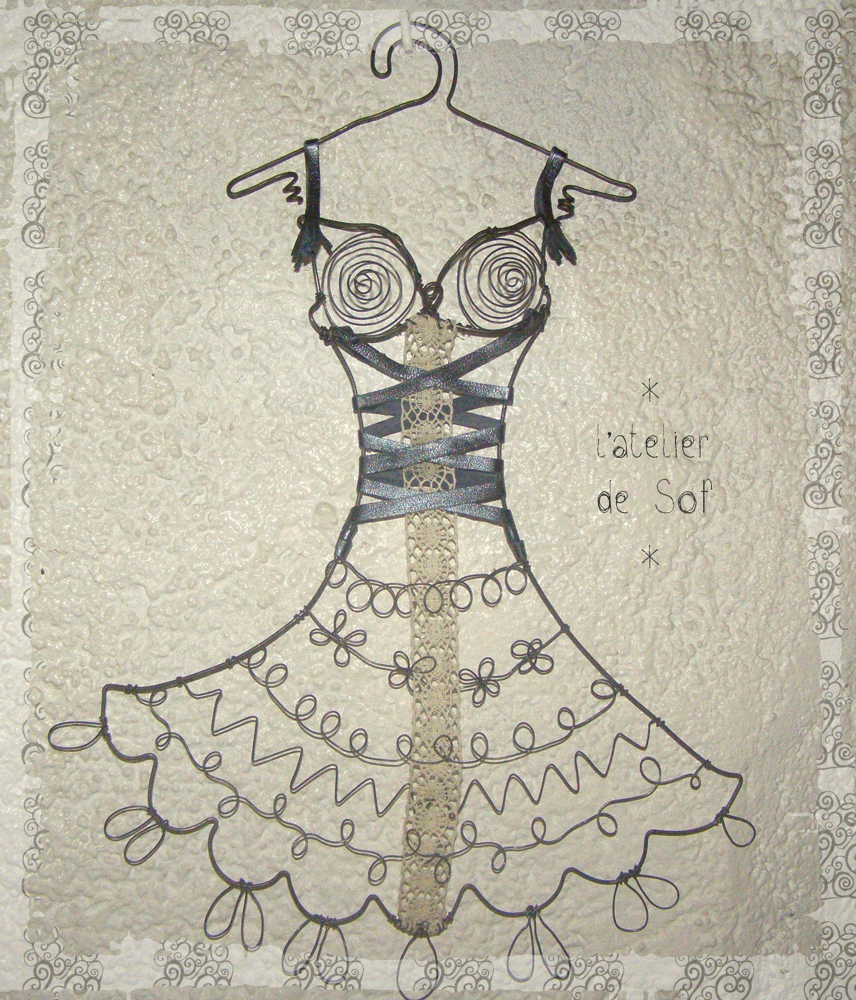 robe dentelle porte bijoux fil de fer d cos fil pagode fil de fer fil d 39 alu pinterest. Black Bedroom Furniture Sets. Home Design Ideas