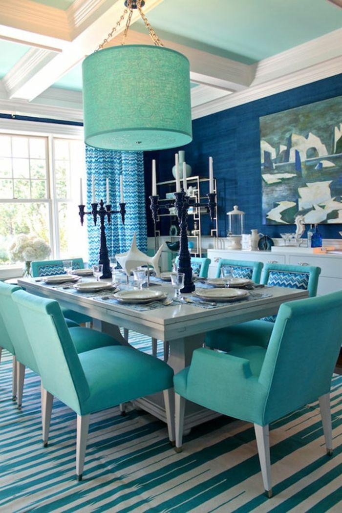 Wandgestaltung Ideen Esszimmer Blaue Wandfarbe Schöner Teppich Frische  Stühle