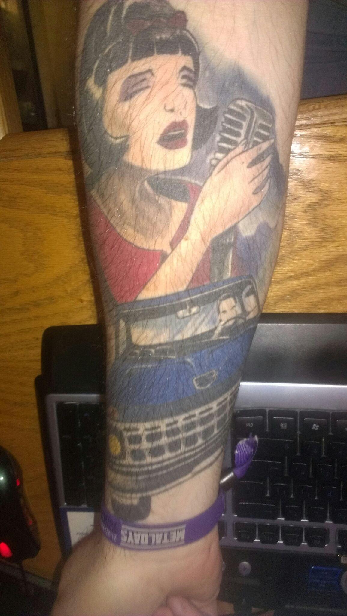 Pin by Miranda Simmons on Tattoos | Tattoos, Girl gifs, Get