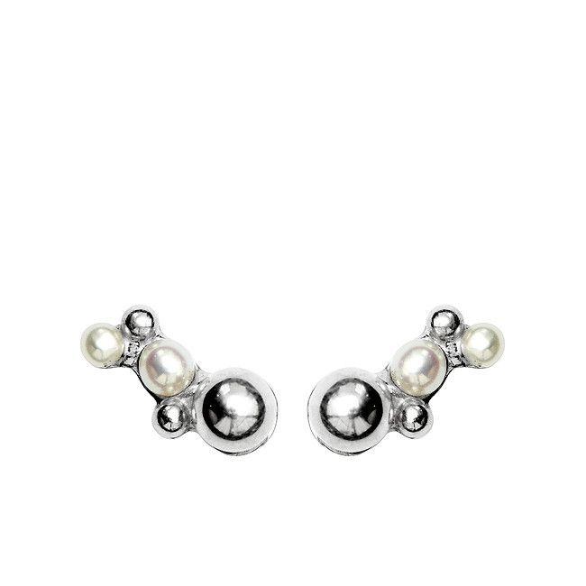 Pearl Stories Ariel Pearl Stud Earrings #earrings #pearls #pearlstories #jewellery #pearljewellery #nordic #nordicstyle #nordicdesign #scandinavianstatements #danishdesigner