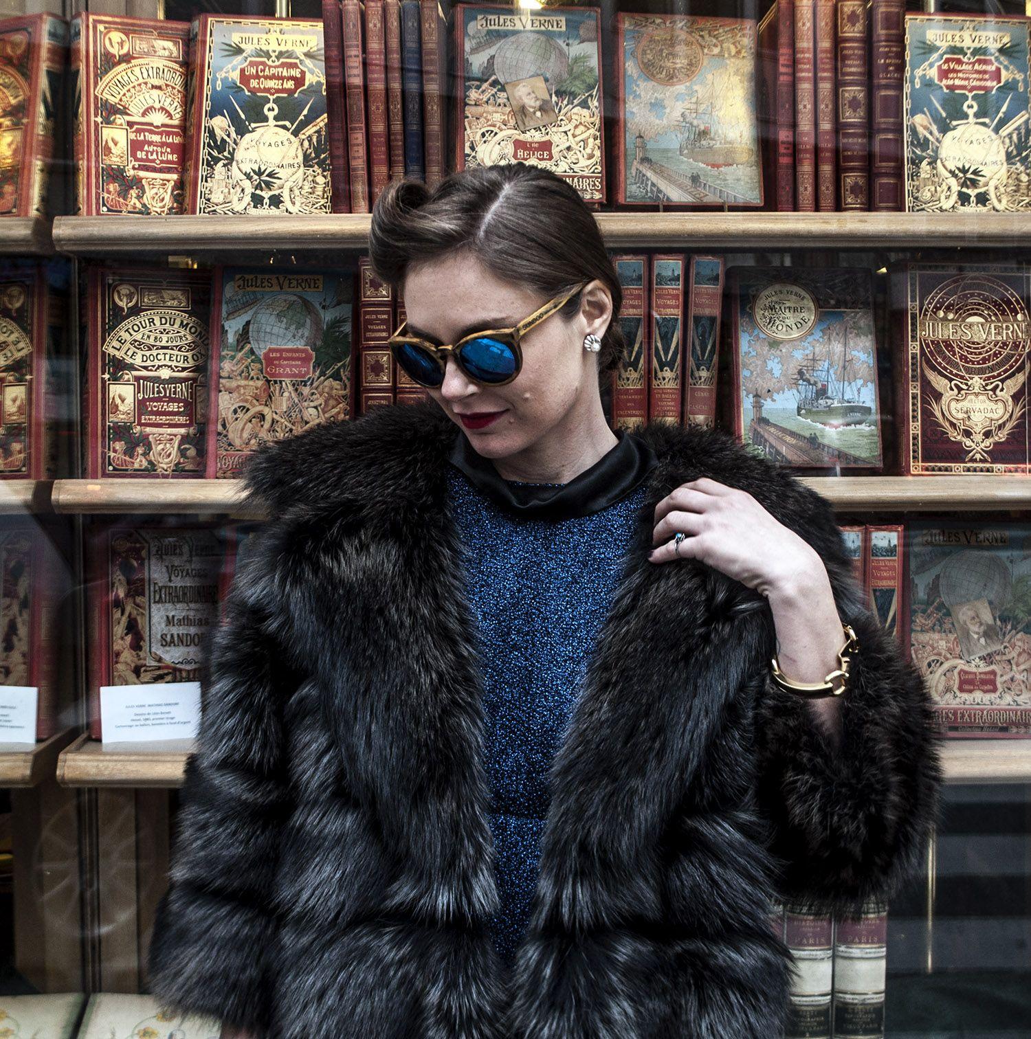 Vestita come nessuno si veste più Foto by Dimitris Karaiskos