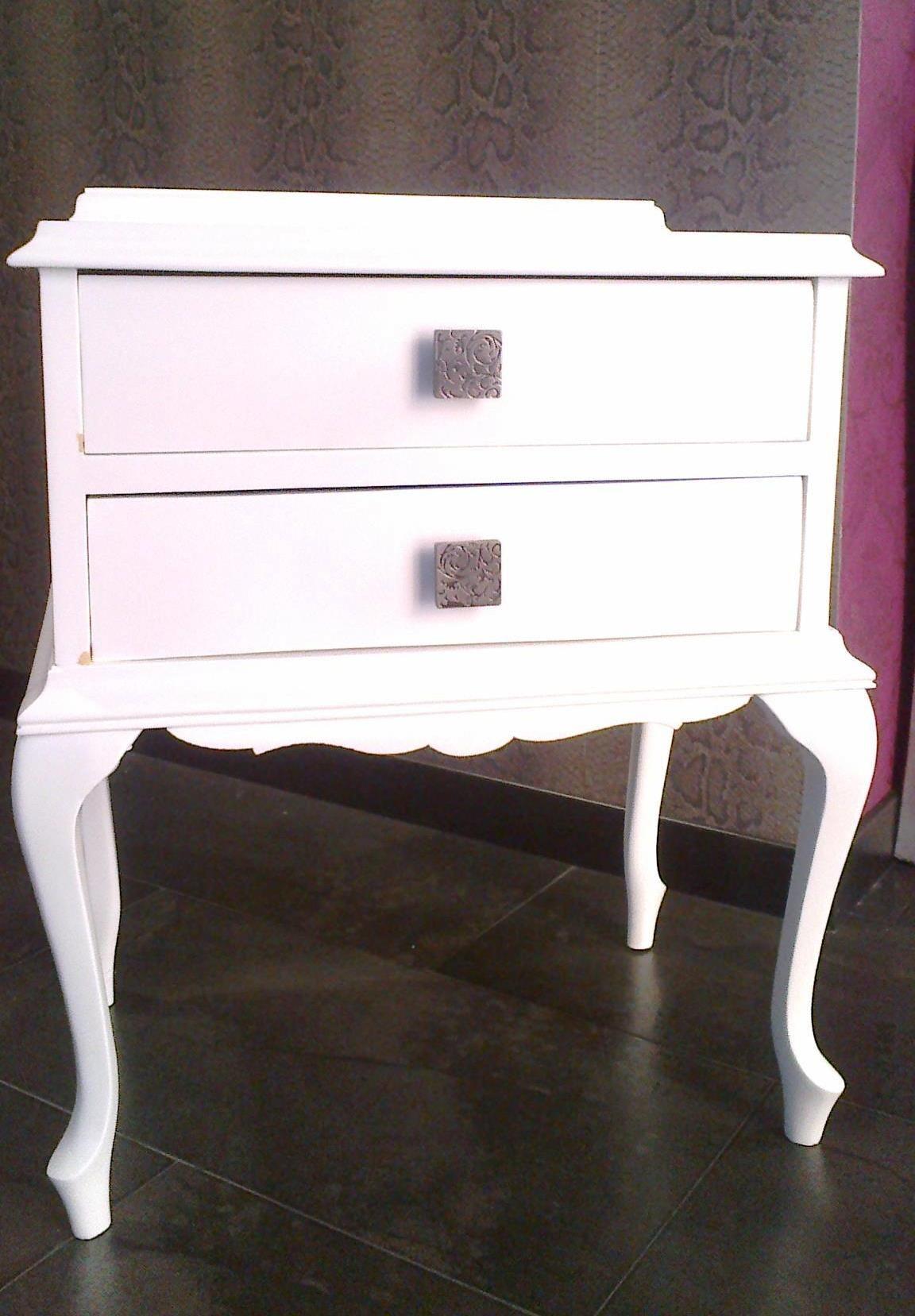 Mesita de noche antigua restaurada estilo vintage | Muebles ...