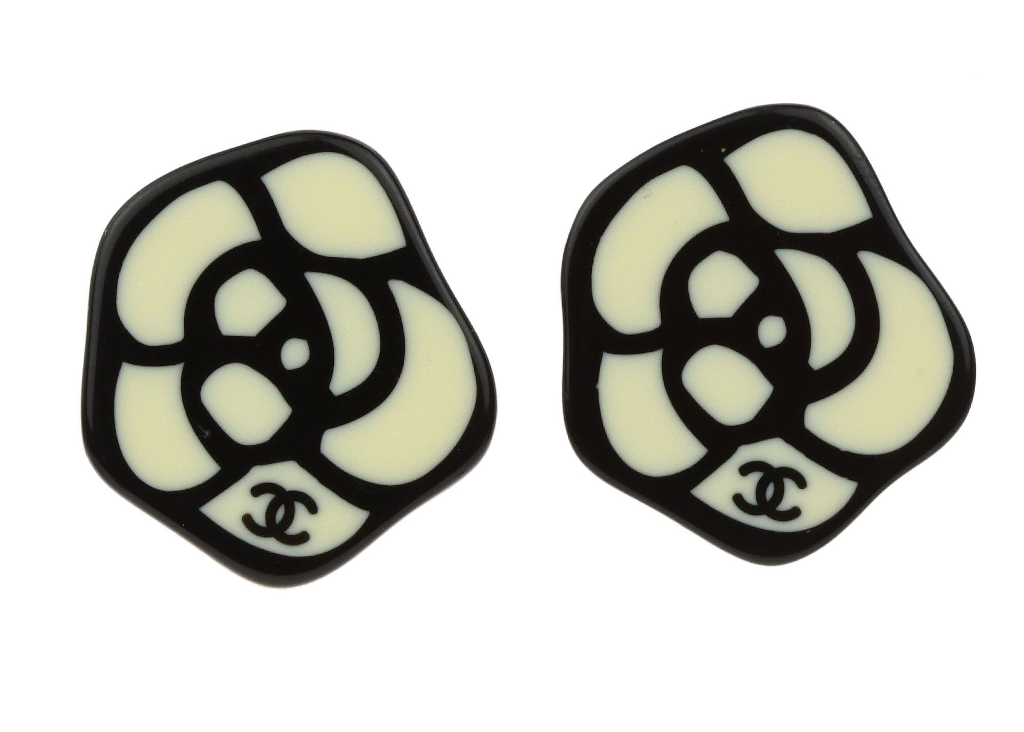 Chanel Vintage Black Enamel CC Logo Drop Earrings