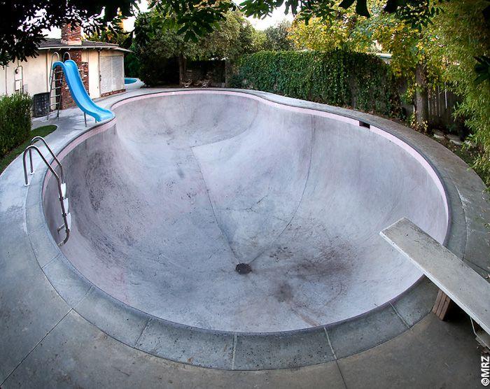 lance mountain's custom backyard swim/skate pool   Ramp ...