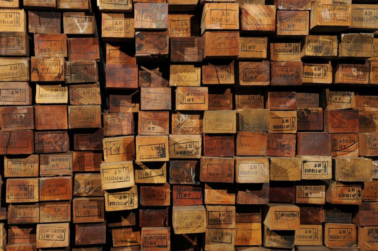 Understanding Reclaimed Wood: How the Salvaging Process Works | Credit: Viridian  Reclaimed Wood - Understanding Reclaimed Wood: How The Salvaging Process Works