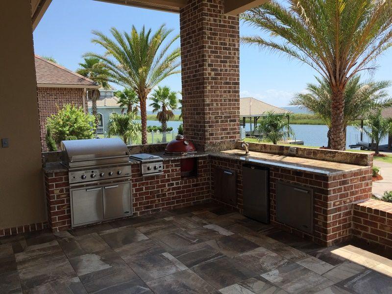 Www Luxurycountertops Com Outdoor Kitchen Gallery Srk With Images Outdoor Kitchen Countertops Outdoor Kitchen Design Outdoor Kitchen