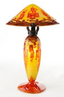 A SCHNEIDER LE VERRE FRANCAIS GLASS FRÃ�NES LAMP AND SHADE .Charles Schneider Glassworks, Ã�pinay-sur-Seine, Franсе