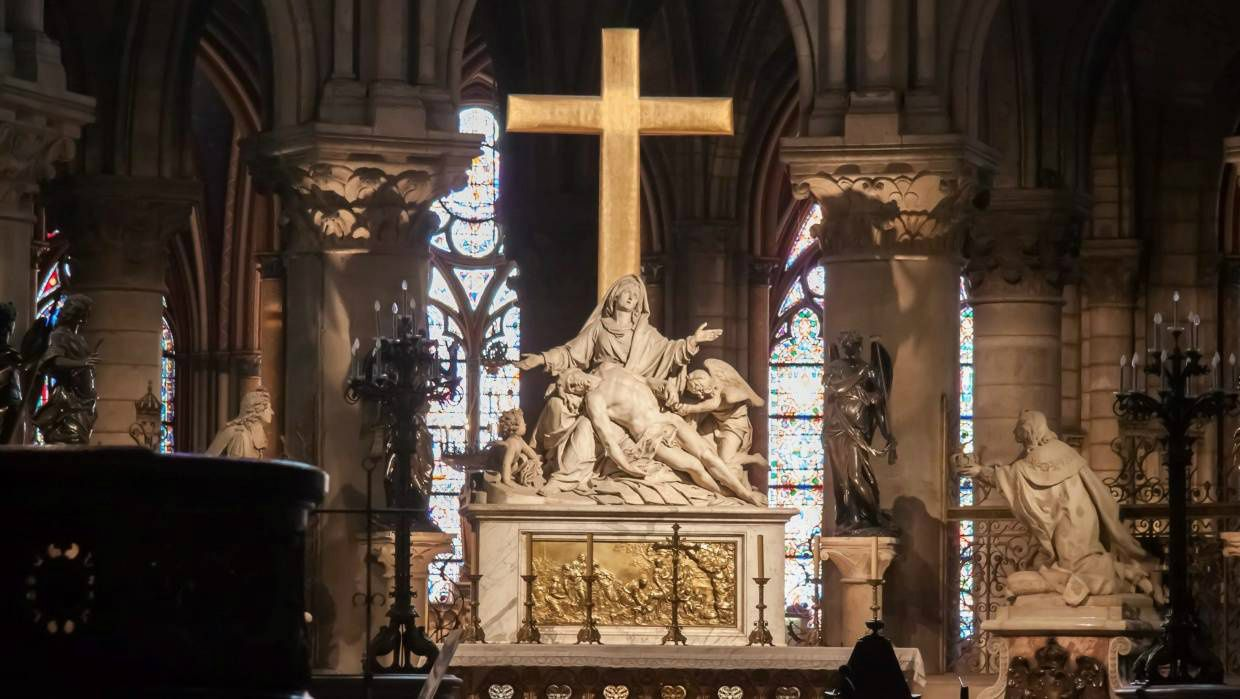 First photos from inside NotreDame After the Fire Pieta