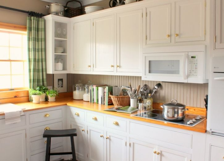 Green Accents In The Kitchen   Talk Of The House