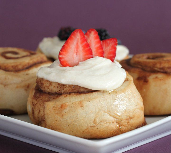 Gourmet Cinnamon Rolls With Over 30 Different Choices Of Frosting And Toppings Vegan Bakery Cinnamon Rolls Dessert Shop