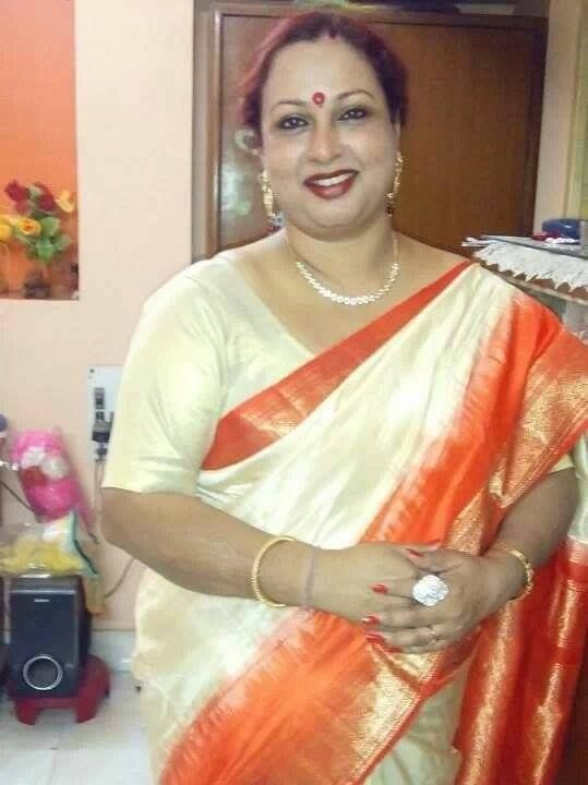 Indian bhabhi boobs pics-7228