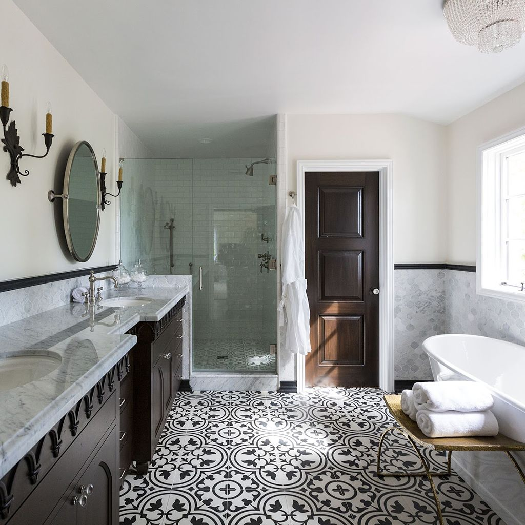 A Private Home In Los Angeles Ca Tile Hydraulic Black Home Is