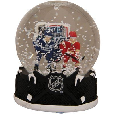 2014 NHL Winter Classic Player Snow Globe