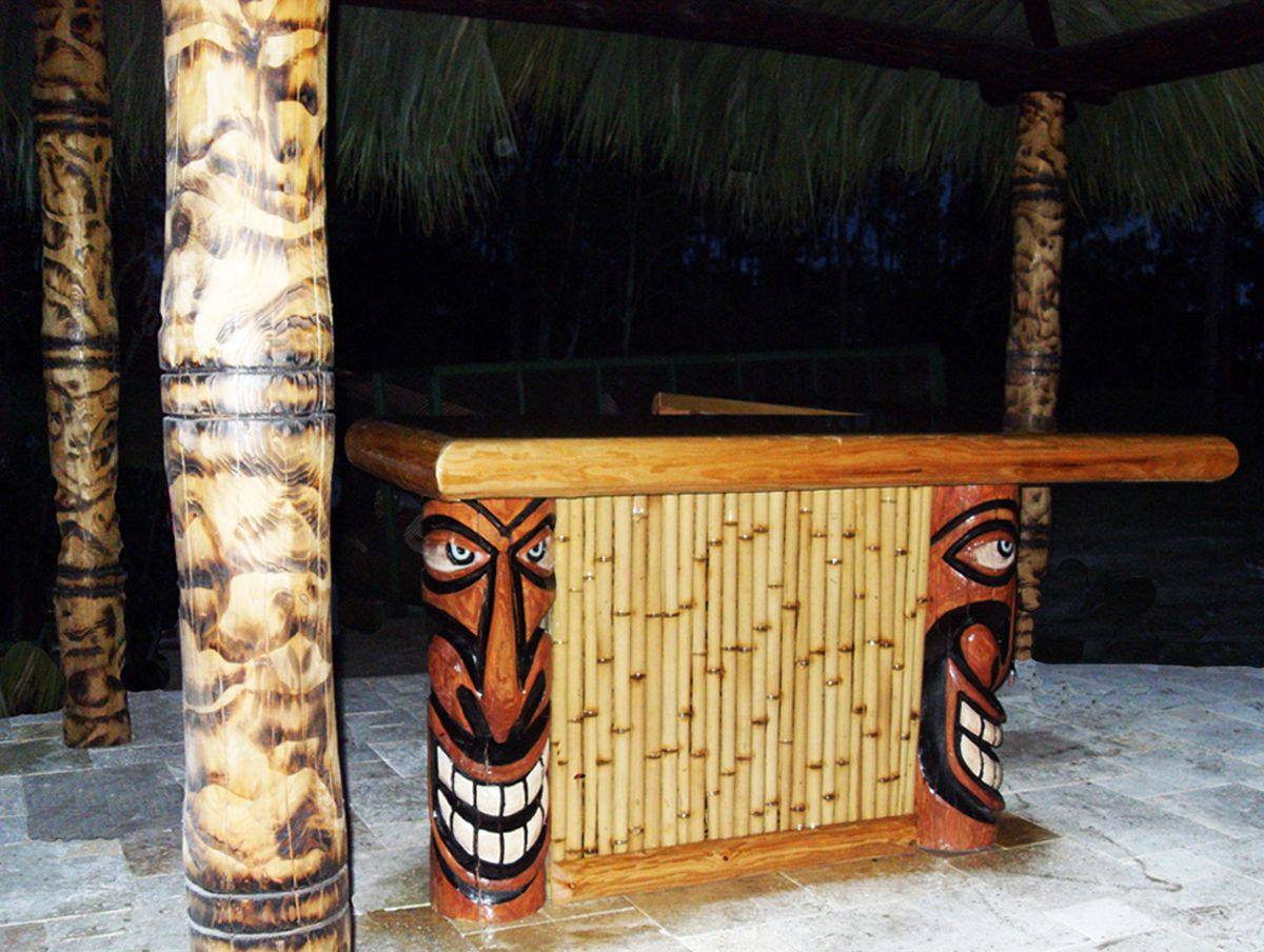 Tiki Hut Bar With Bamboo Design In Naples Fl Big Kahuna