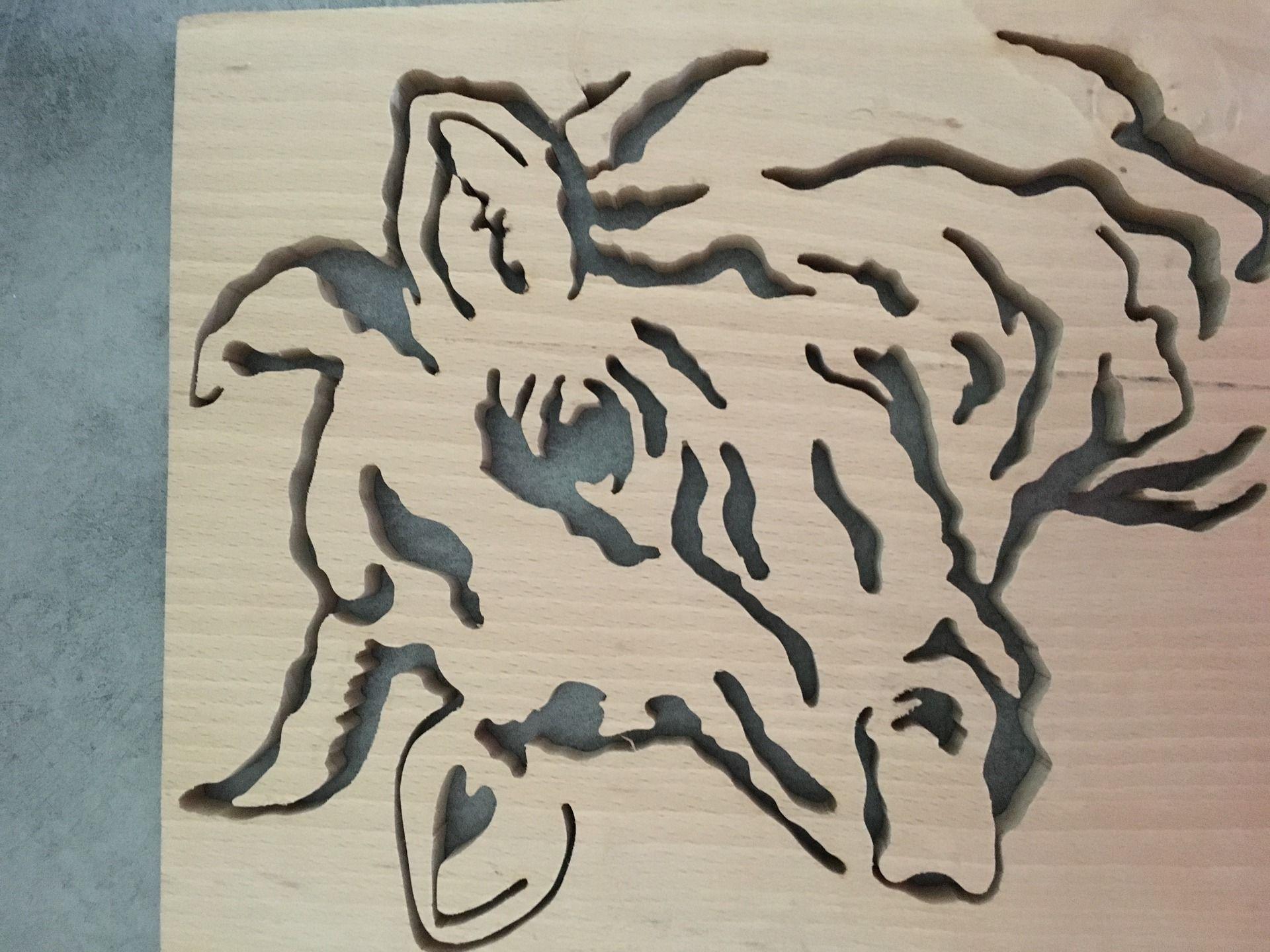 joli portrait de vache en bois de h tre d corations. Black Bedroom Furniture Sets. Home Design Ideas