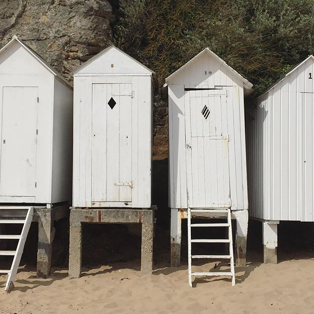 Les cabines.  #saintbriac #bretagne